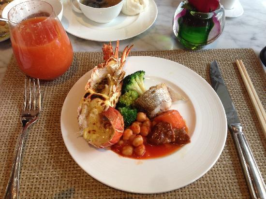 The Ritz-Carlton, Tianjin: lobster brunch