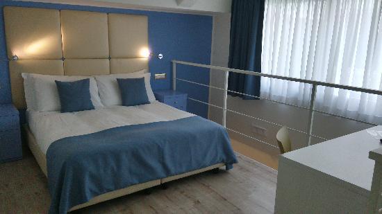 Tango Hotel : 二楼的床