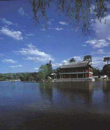 Imperial Summer Palace of Mountain Resort: yan yu lou