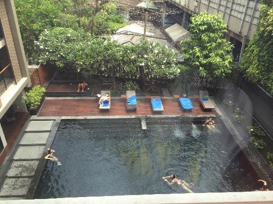 Arcadia Suites Bangkok by Compass Hospitality: 游泳池不错