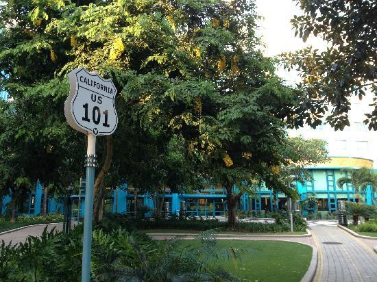 Disney's Hollywood Hotel: 酒店花园