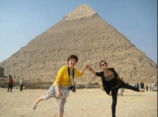 Khafre's Pyramid: 大金字塔