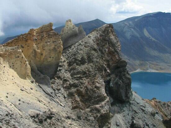 Changbaishan Tianchi: 火山顶上的天池