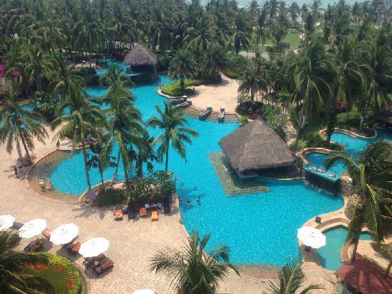 Holiday Inn Resort Sanya Bay: 三亚湾假日酒店园景,从顶层客房看,效果还可以。