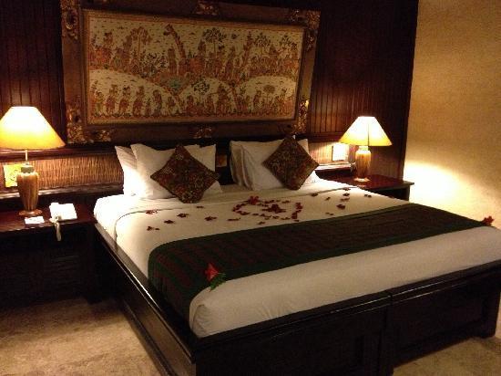 Hotel Tjampuhan & Spa: 卧室
