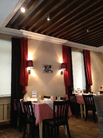 Prego Italian Restaurant: interior