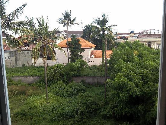 Ibis Bali Kuta: 窗外风景