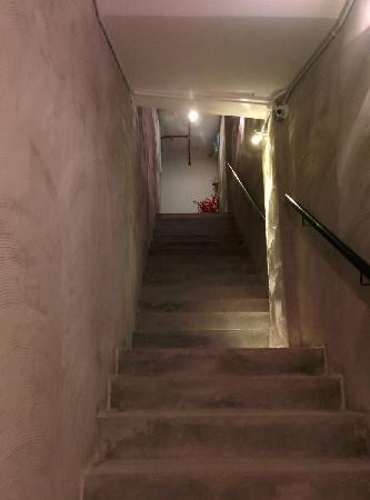 Fisher BnB: 楼梯