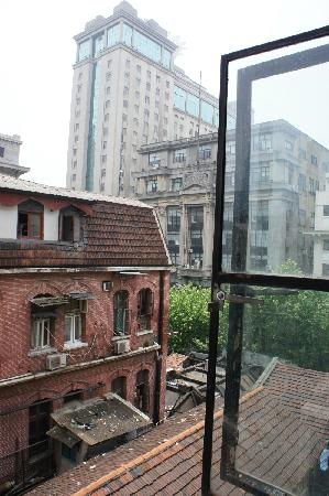 Captain Youth Hostel(Fuzhou Rd Branch): 窗外的风景2