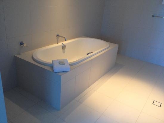 Hilton Surfers Paradise Hotel: 浴盆