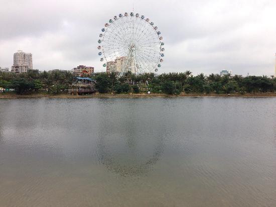 Zhanjiang Seaside Park: 很多游乐项目