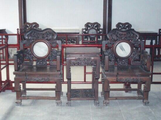 Mudu Ancient Town: 木渎古镇里大宅的红木家具