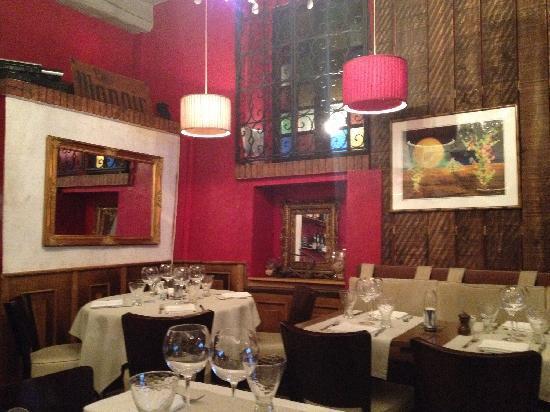 Le Manoir: 饭店装修风格我很喜欢