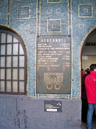 Alter Elbtunnel: 历史的隧道