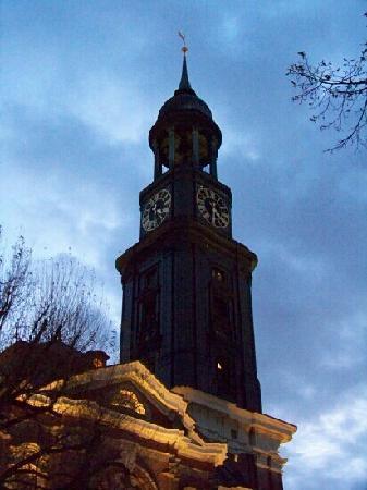 Hauptkirche St. Michaelis: 教堂钟楼塔