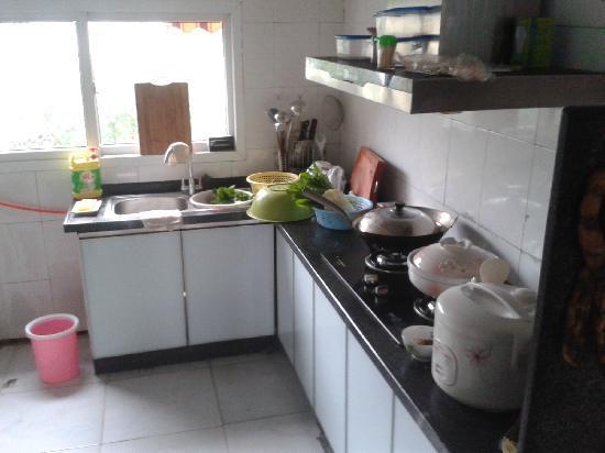 Youjian Hostel: 客栈还有个小厨房,十分方便生活。