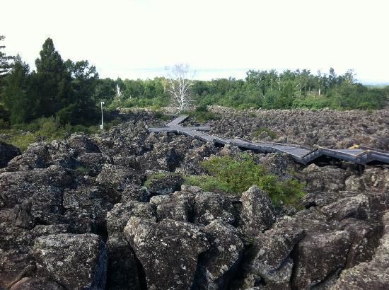 Wudalianchi (Five Big Linking Lakes) : 老期火山地貌