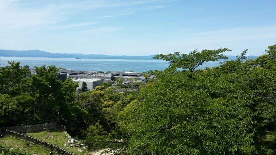 Lake Biwa: 彦根城天守方向
