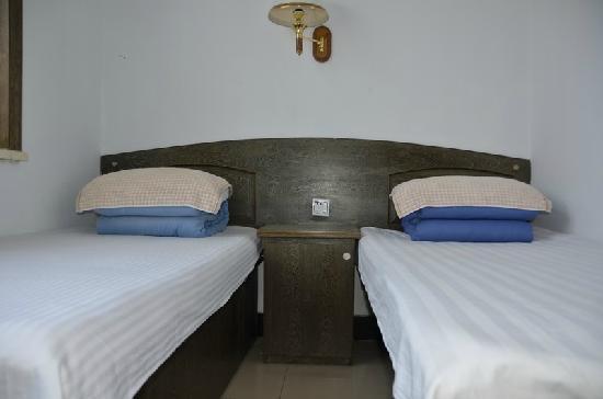 Longsheng Motel