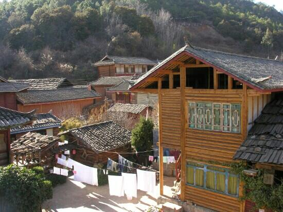 Moso Village : 摩梭人住的木楞房屋