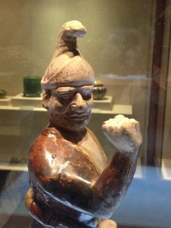 Henan Museum: 牵马胡俑