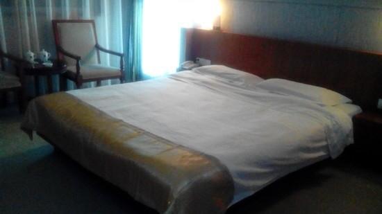 Jinya Hotel: 外观不错,房间不好