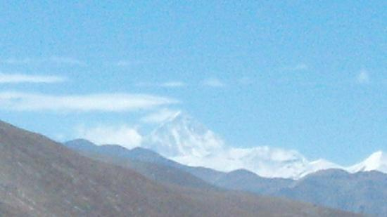 Mt. Everest Base Camp : 110公里公路上拍的珠峰
