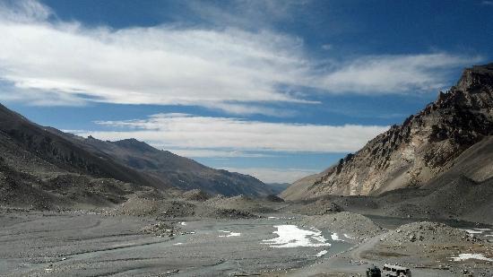 Mt. Everest Base Camp : 珠峰正对面(就是一片江山)