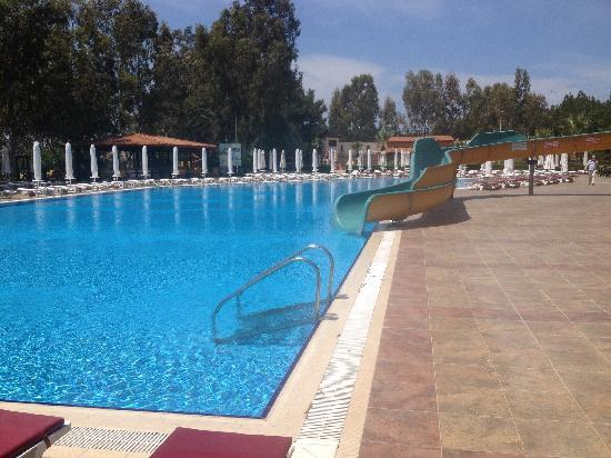 Halic Park Hotel : 酒店游泳池可以,别的地方就那样