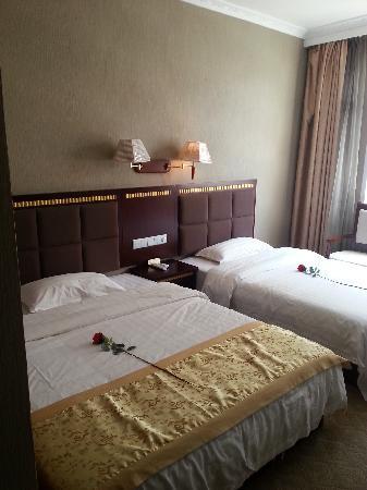 Guobin Hotel: 豪华亲子间