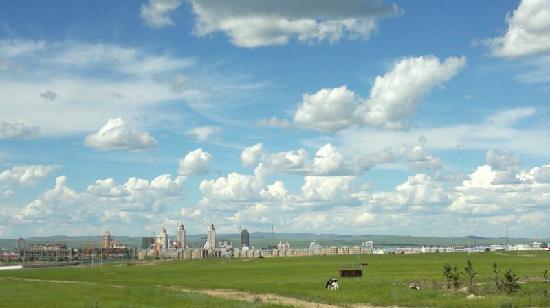 Hulun Buir Prairie: 广阔的草原,梦幻的小城