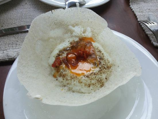 Jetwing Blue: 超级好吃的早餐… 当地的特色食品。