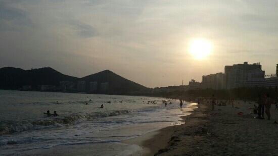 Dadonghai Beach : 三亚大东海的日落
