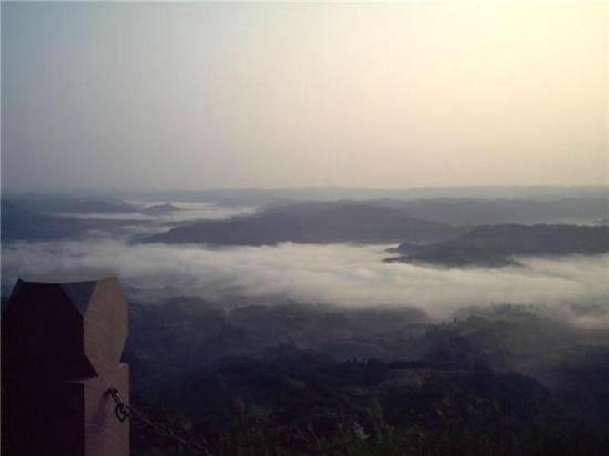 Yingshan County, Chine : 夏季早晨5点自拍