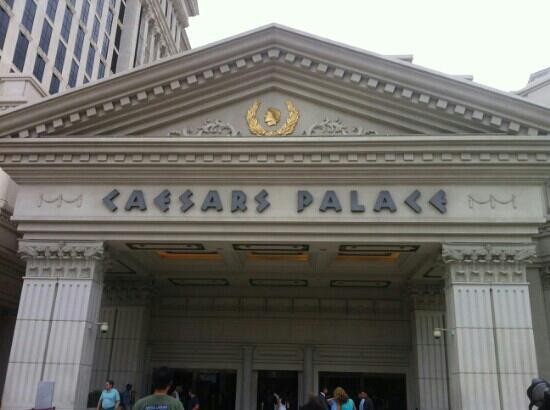 The Colosseum at Caesars Palace: c