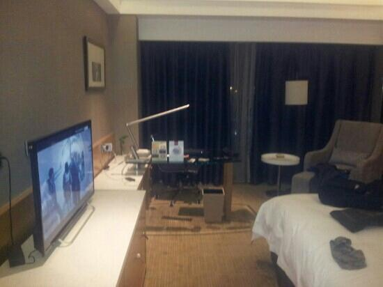 Boyue Shanghai Hongqiao Airport Hotel : 高级大床房