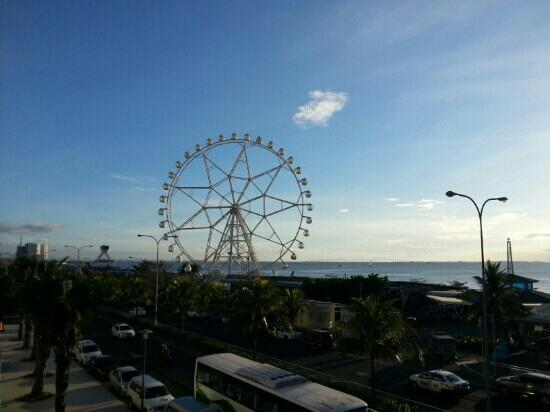 Manila Bay: 摩天轮