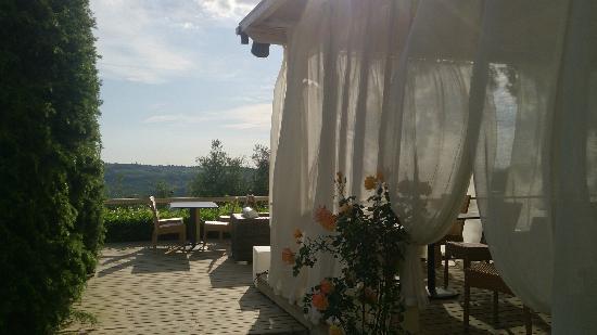 Villa I Barronci : 室外用餐区