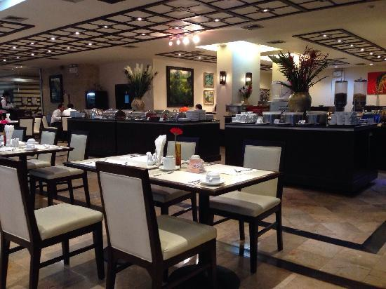 Pinnacle Lumpinee Park Hotel : 酒店早餐很好
