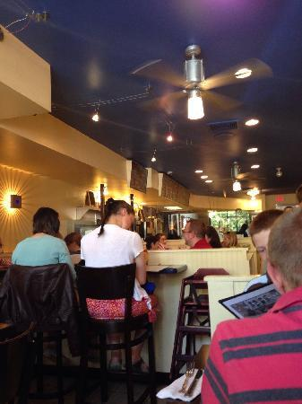 Helen's Restaurant: Helen's