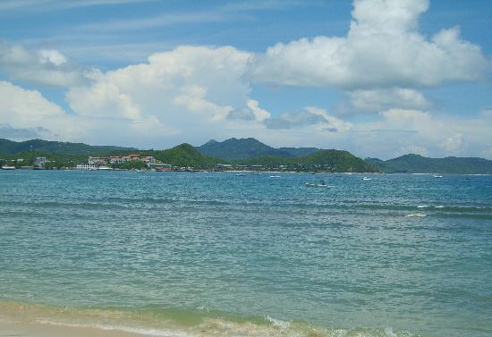 Dadonghai Beach : 海边远望