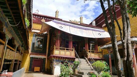 Nadang Temple: 那当寺的小佛殿