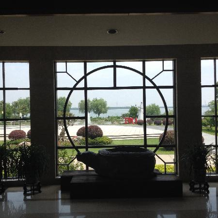 Tongli Lakeview Hotel : 同里湖大饭店,已经是第二次来了,小朋友最喜欢。