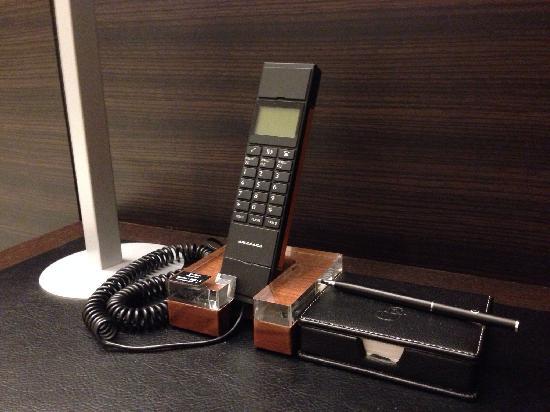 Hotel Brighton City Osaka Kitahama : 电话机