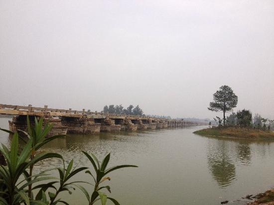 Anping Bridge: 长桥