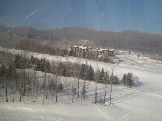 Changbai Mountain Ski Area: 长白山滑雪场坐缆车