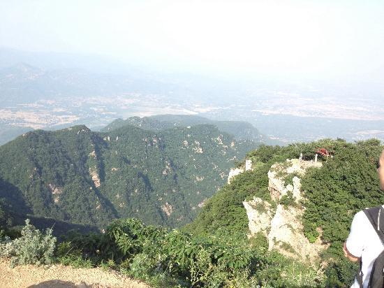 极峻峰 - Picture of Mt. Song, ...