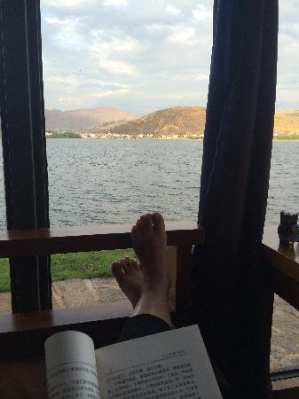 Shuimo Hostel: 一片海,一本书,一个人