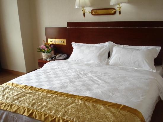 Ruijia Hotel: 大床房