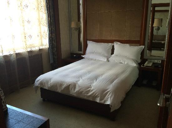 Juxiantang Hotel: 卧房